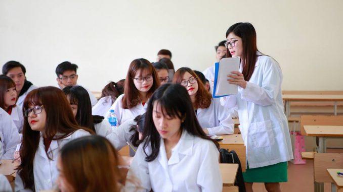 Cao đẳng Dược học mấy năm? Cao đẳng Dược học những môn gì?