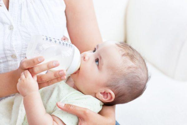 cách trị nấc cụt cho trẻ sơ sinh
