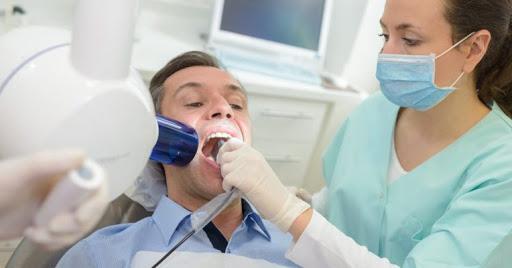 nên học đa khoa hay răng hàm mặt?