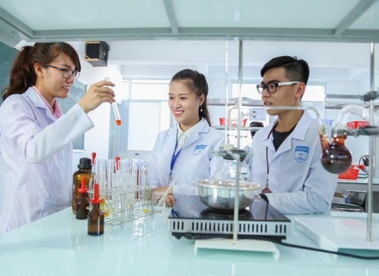 Tuyển sinh Cao đẳng Dược năm 2021 cần lưu ý những gì?