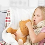 Trẻ bị viêm phế quản uống thuốc gì?